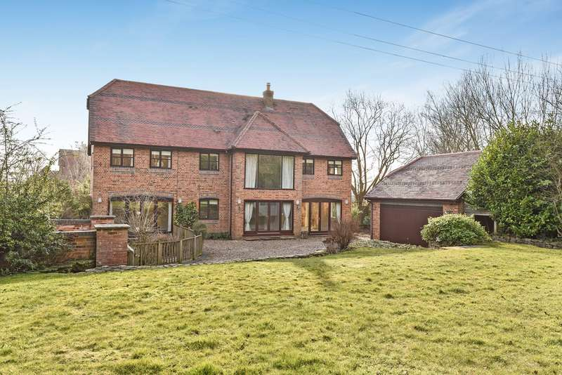 6 Bedrooms Detached House for sale in Ambarrow Lane, SANDHURST, GU47