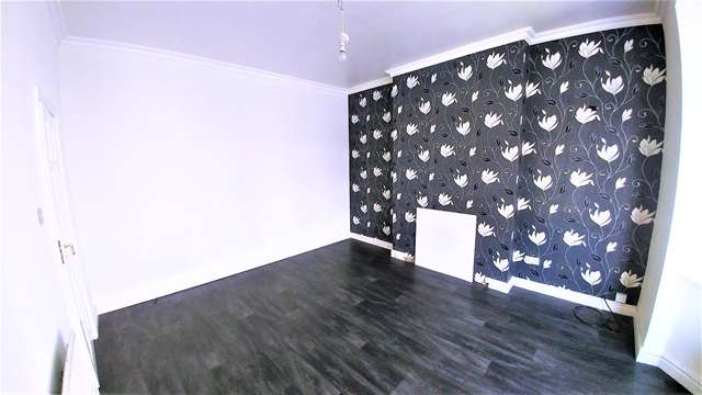 3 Bedrooms Semi Detached House for rent in A Spacious 3 Bedroom Semi-Detached House to Rent on Terry Street in Dudley, DY2 7DR