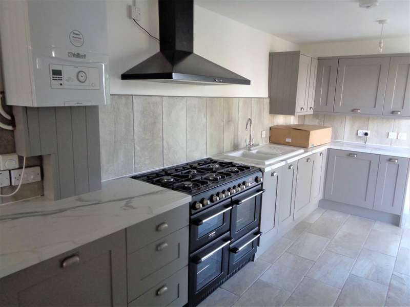 2 Bedrooms Detached House for rent in Tortworth, Wotton-Under-Edge, Gloucestershire