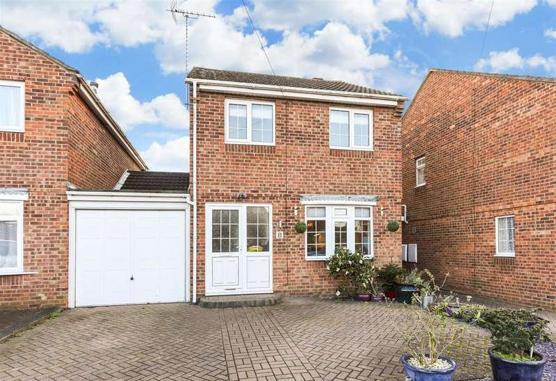 3 Bedrooms Link Detached House for sale in Chichester