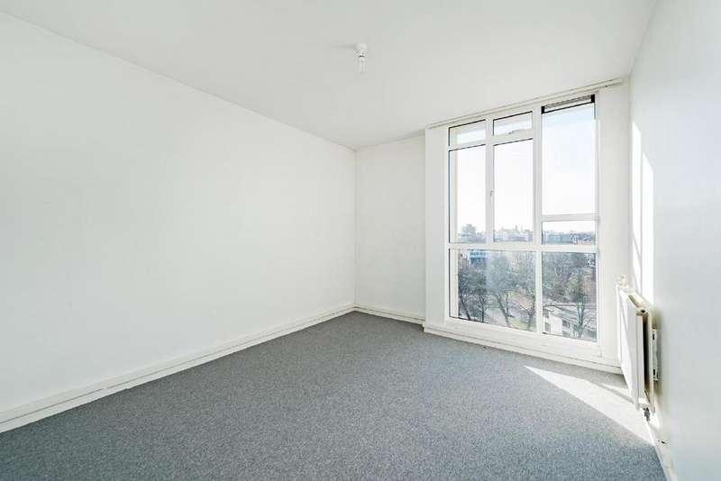 3 Bedrooms Flat for sale in Hallfield Estate, Bayswater
