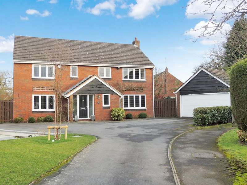 4 Bedrooms Detached House for rent in Minster Close, Knowle, Solihull, B93 9LZ