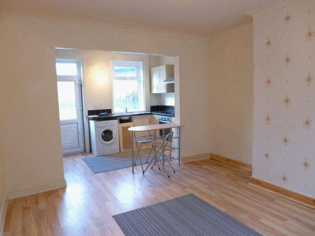 2 Bedrooms Terraced House for rent in Major Street Todmorden