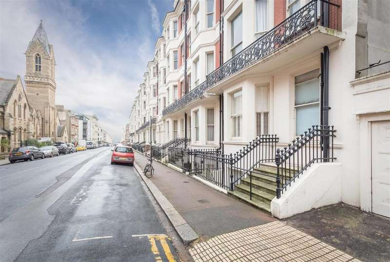 Apartment Flat for sale in Holland Road, Hove