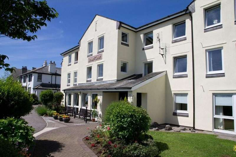 1 Bedroom Ground Flat for sale in 1 Strand Court, The Esplanade, Grange-over-Sands, Cumbria, LA11 7HH