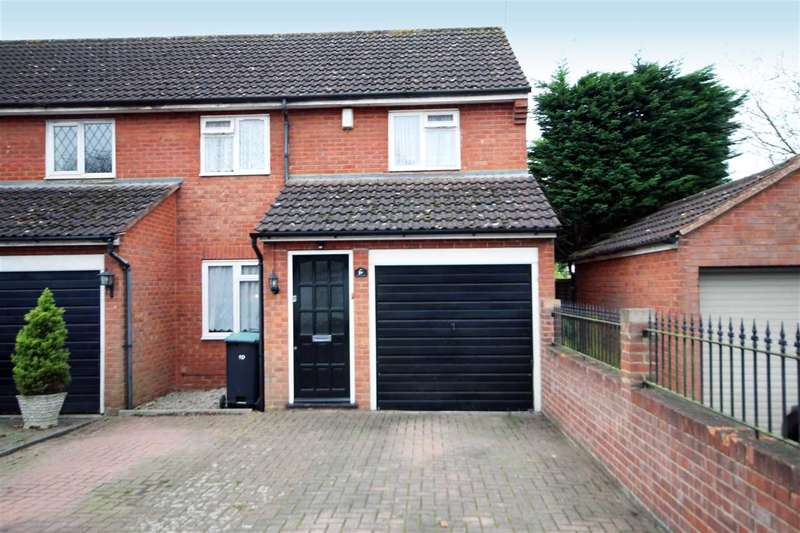 3 Bedrooms House for sale in Silk Mill Road, Oxhey, WD19.