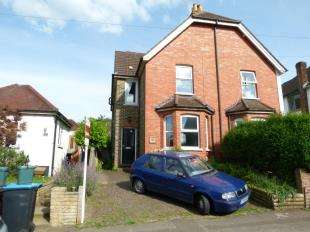 4 Bedrooms Semi Detached House for sale in Money Road, Caterham, Surrey