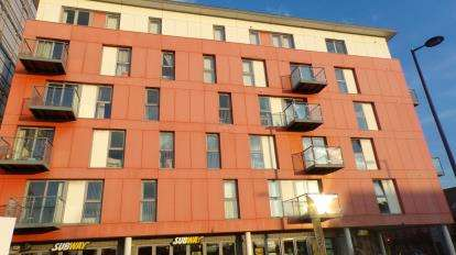 2 Bedrooms Flat for sale in Southsea