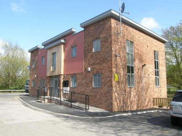 2 Bedrooms Property for rent in Chadwick Street Hindley, Wigan