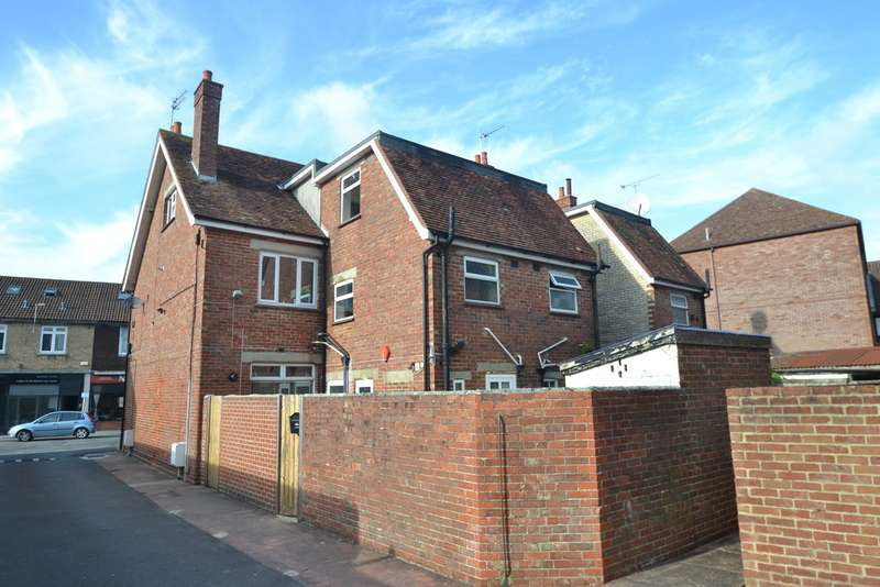 3 Bedrooms Flat for rent in Ringwood BH24