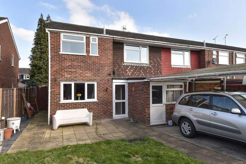 3 Bedrooms House for sale in Blackwater, Camberley, GU17