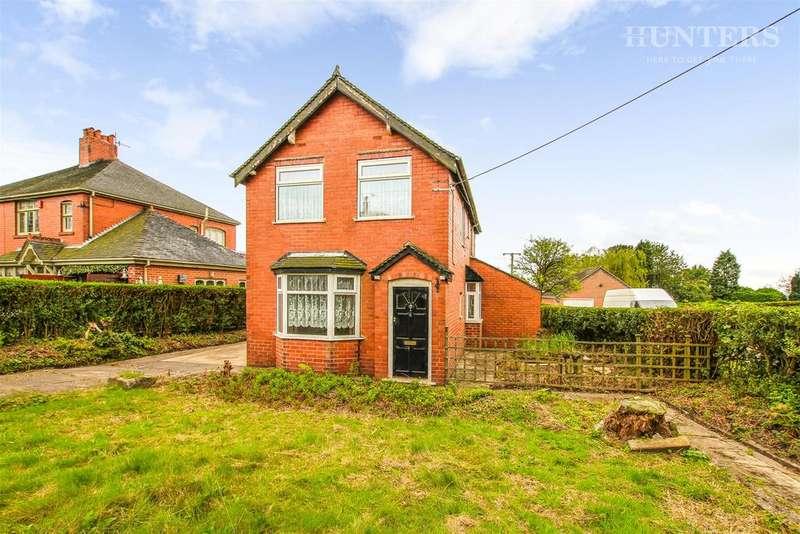 3 Bedrooms Detached House for sale in Jack Haye Lane, Light Oaks, Stoke-on-Trent, ST2 7NG