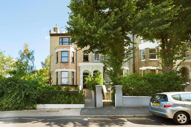 3 Bedrooms Ground Flat for rent in Lordship Road, Stoke Newington, London, N16