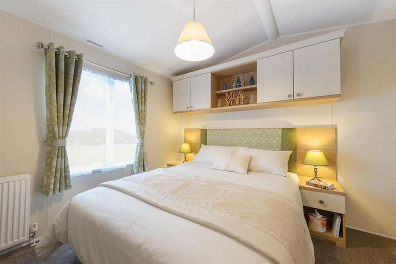 2 Bedrooms Lodge Character Property for sale in The Lodge, Yorkshire Dales Caravan Park, Harmby, Leyburn, DL8 5NX