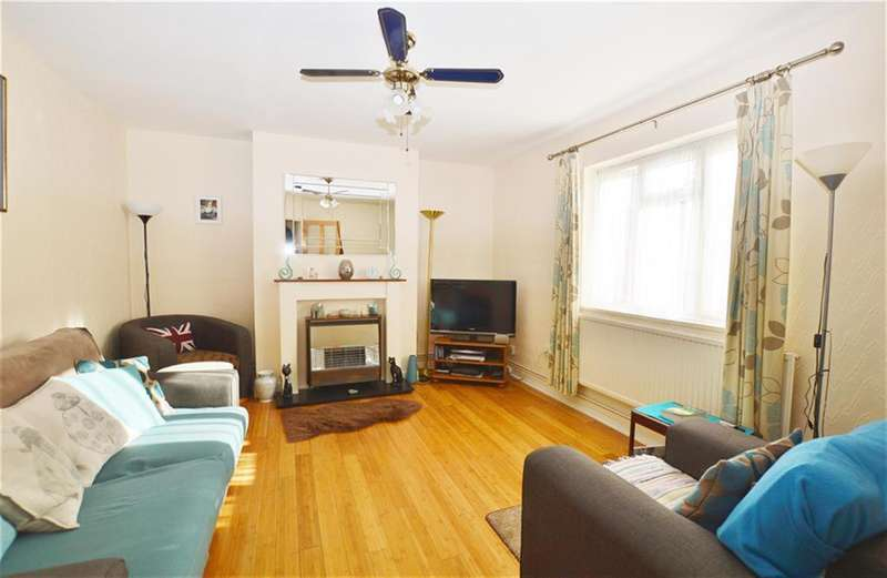 3 Bedrooms Terraced House for sale in Palmer Road, Plaistow, London, E13 8NT