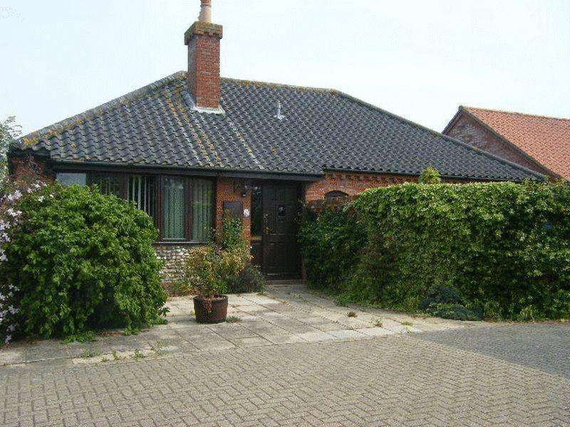 2 Bedrooms Detached Bungalow for sale in Millway, Beccles