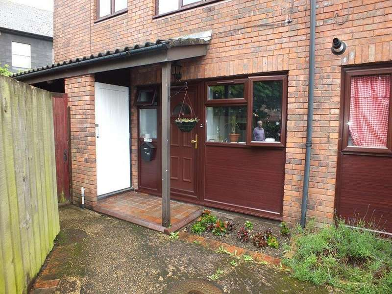 1 Bedroom Ground Maisonette Flat for sale in Marshall Drive, North Hayes, UB4 0SW