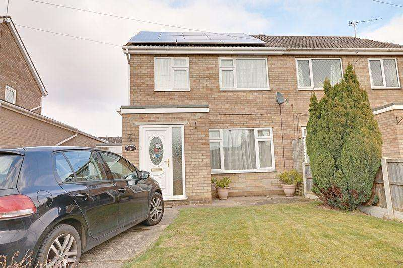 3 Bedrooms Detached House for sale in Rossall Close, Scunthorpe