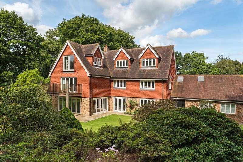 5 Bedrooms Detached House for sale in Byfleets Lane, Warnham, West Sussex, RH12