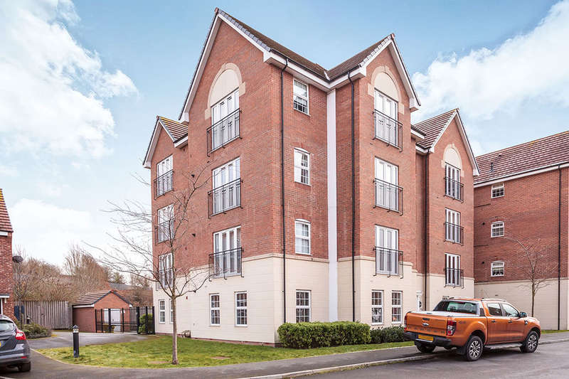 2 Bedrooms Flat for sale in Priory Chase, Pontefract, WF8