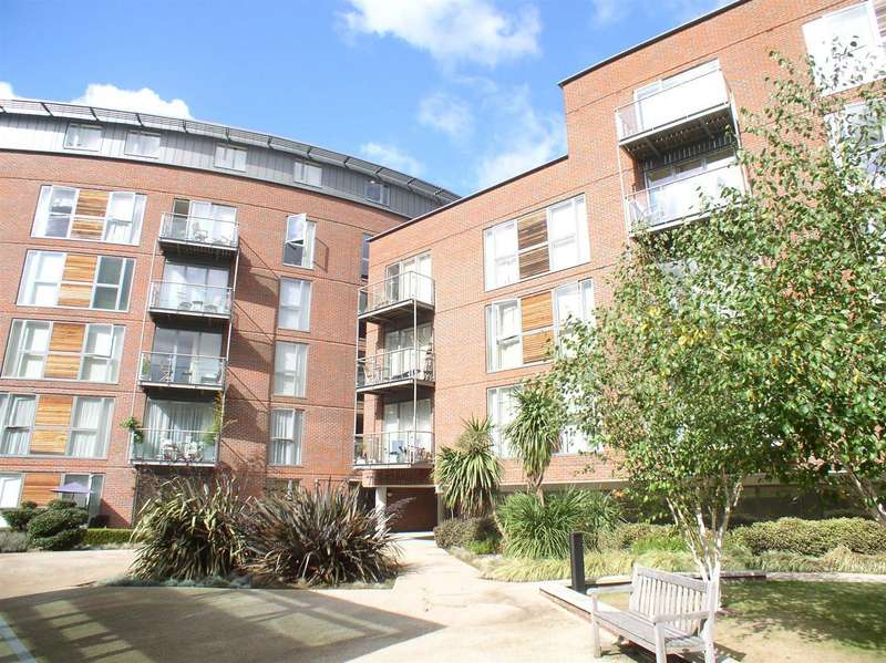 1 Bedroom Flat for sale in The Heart, Walton-On-Thames