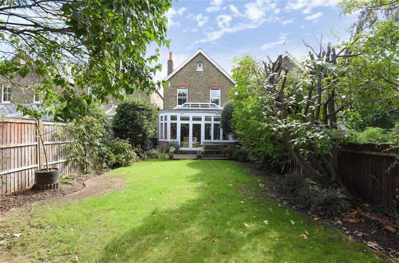 6 Bedrooms Detached House for sale in Latchmere Road, Kingston Upon Thames