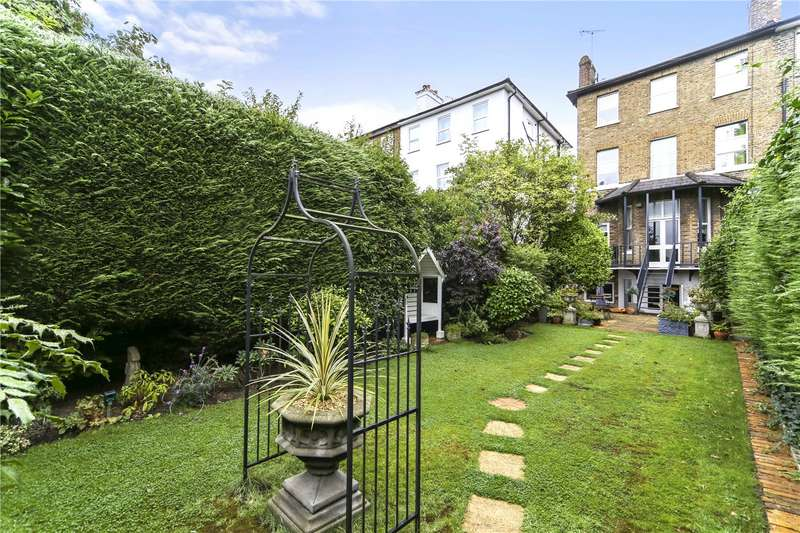 2 Bedrooms Maisonette Flat for sale in Argyle Road, London, W13