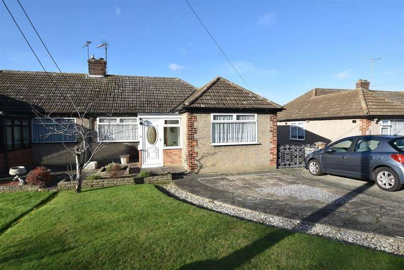2 Bedrooms Semi Detached Bungalow for sale in Louis Drive West, Rayleigh