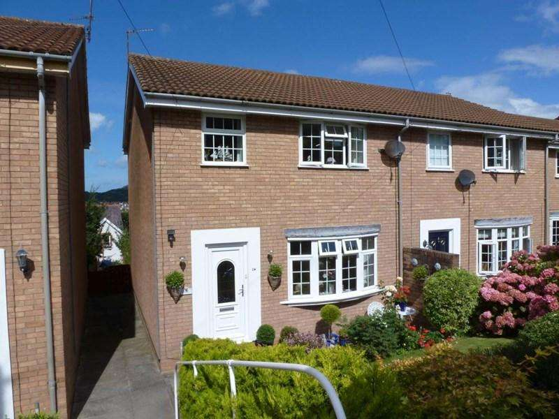 3 Bedrooms Terraced House for sale in 26 Alwen Drive, Rhos on Sea