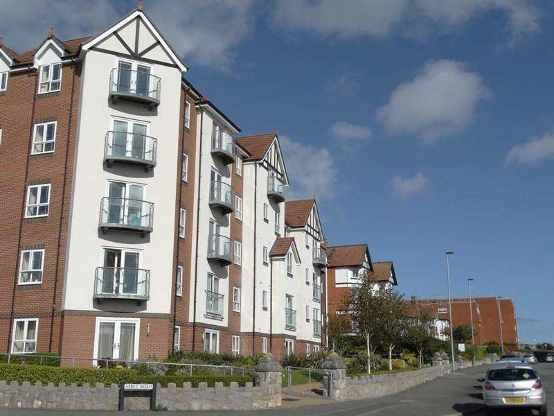 2 Bedrooms Apartment Flat for sale in 26 Adlington House Abbey Road, Rhos on Sea