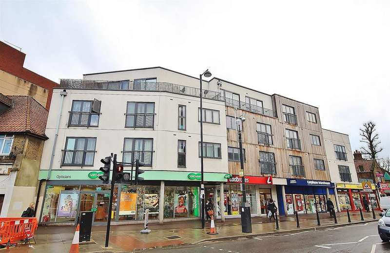 1 Bedroom Flat for sale in Botwell Lane, Hayes, Middlesex, UB3 2BL