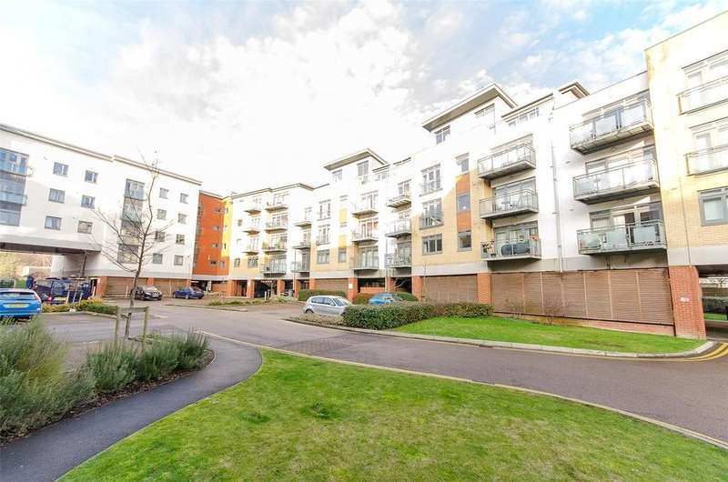 2 Bedrooms Apartment Flat for sale in Wallis Place, Hart Street, Maidstone, ME16