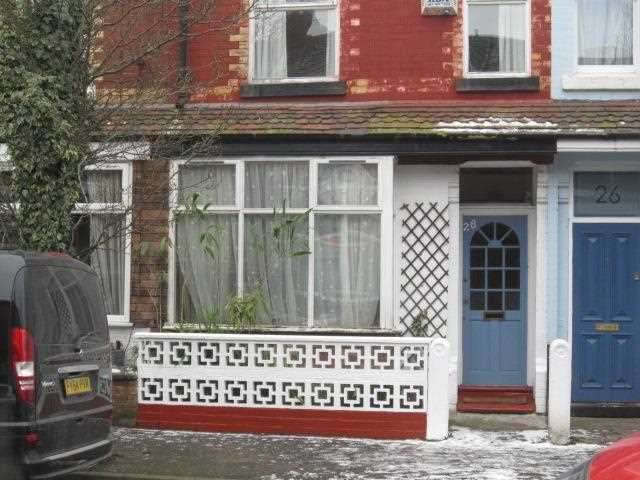 3 Bedrooms Terraced House for sale in Bury Avenue, Manchester