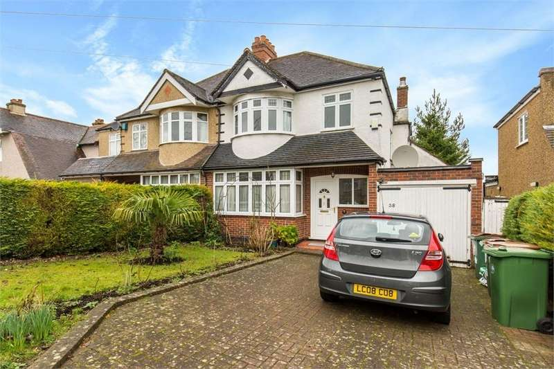 3 Bedrooms Semi Detached House for sale in Ingleby Way, Wallington, Surrey