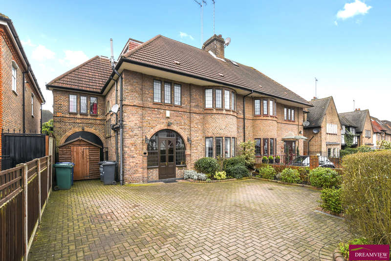 5 Bedrooms Semi Detached House for sale in FINCHLEY ROAD, TEMPLE FORTUNE, GOLDERS GREEN, NW11