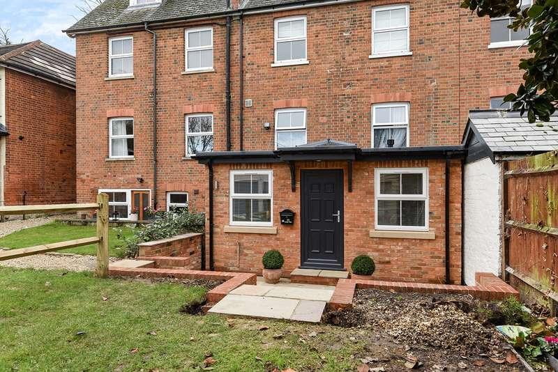 2 Bedrooms Maisonette Flat for sale in Fairview Road, Wokingham, RG40