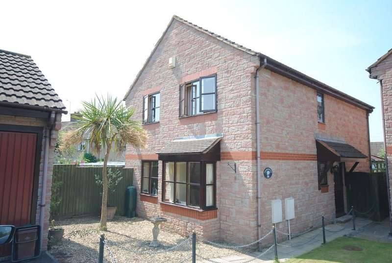 4 Bedrooms Detached House for sale in Cross Farm Road.