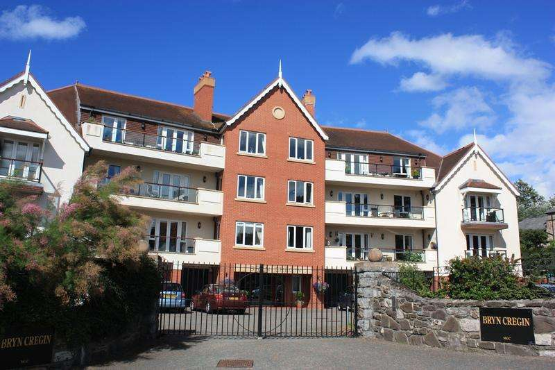 2 Bedrooms Apartment Flat for sale in Bryn Cregin, Ty Mawr Road, Deganwy LL31