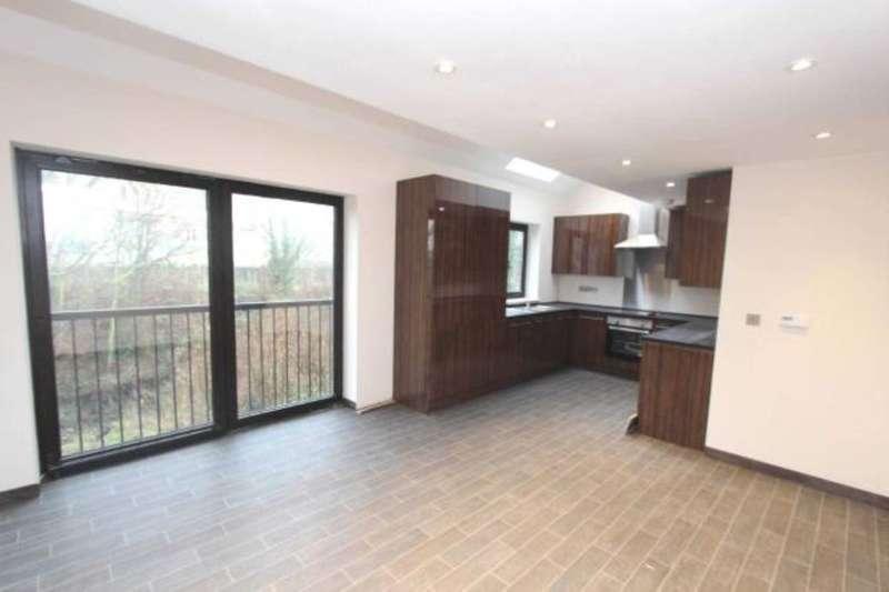 2 Bedrooms Flat for rent in Milton Road, Gravesend, DA12