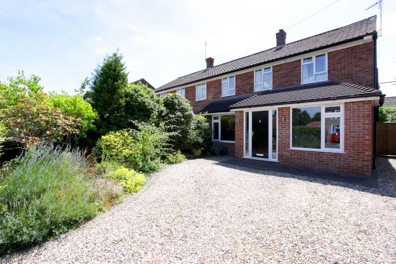 3 Bedrooms Semi Detached House for sale in Grimsdells Lane, Amersham, HP6