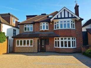 2 Bedrooms Flat for sale in Brighton Road, Purley, Surrey