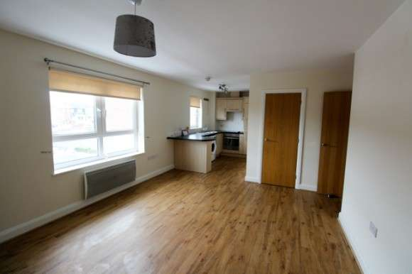 2 Bedrooms Flat for rent in Caithness Court, Poplar Drive, Stoke-On-Trent