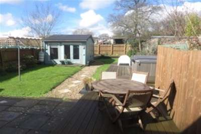 2 Bedrooms Barn Conversion Character Property for rent in IDEFORD