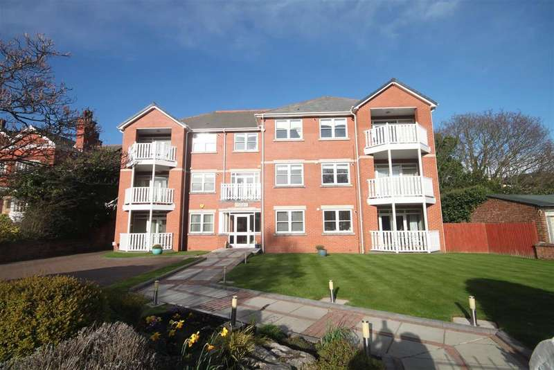 2 Bedrooms Flat for sale in Ashbourne House, Gloucester Road, Southport