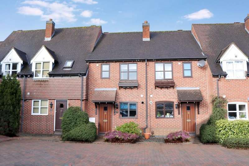 2 Bedrooms Mews House for sale in Dell Farm Close, Knowle
