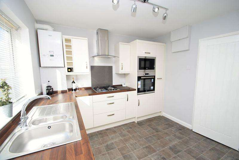 2 Bedrooms Semi Detached Bungalow for sale in Hamilton Grove, Middlesbrough