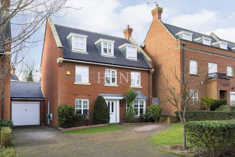 5 Bedrooms Detached House for sale in The Avenue, Repton Park, Woodford Green IG6