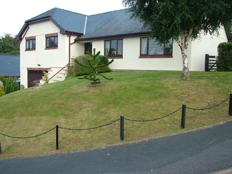 5 Bedrooms Bungalow for sale in Uwch Y Maes, Dolgellau, LL40