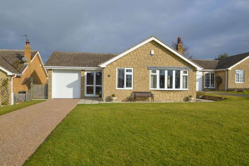 2 Bedrooms Detached Bungalow for sale in Aunums Close, Thornton le Dale, Pickering YO18