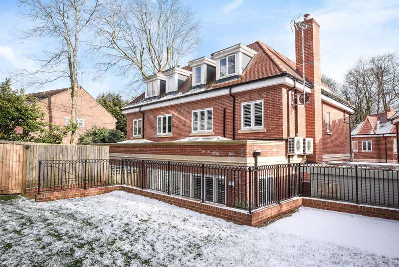 5 Bedrooms House for sale in Northwood, Middlesex, HA6